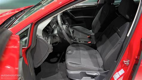 volkswagen alltrack offroad volkswagen golf alltrack unveiled german compact goes