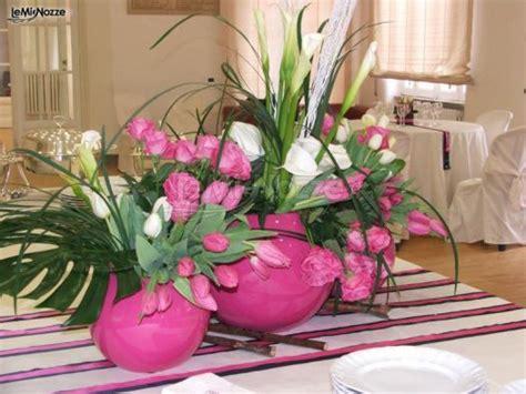 fiori fucsia matrimonio foto 1 addobbi floreali location scenografia per il