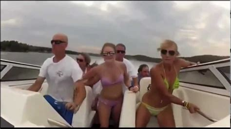 boat crash missouri boat crash on missouri lake with epic music youtube