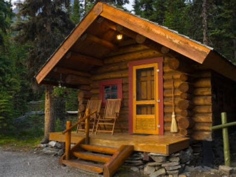 build a cottage log cabin build build your own log cabin log cabin homes