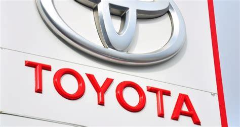 Toyota Customer Care Uk Toyota Names Best Uk Dealers For Customer Service