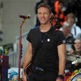coldplay release song to support migrants guardian life latest chris martin news and archives contactmusic com