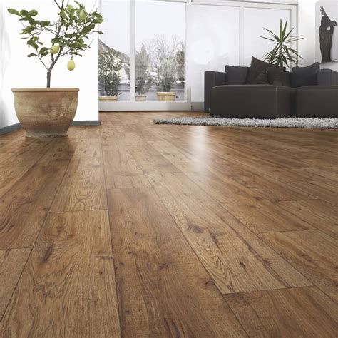 B Q Living Room Flooring Ostend Oxford Oak Effect Laminate Flooring 1 76 M 178 Pack