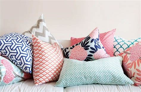 How To Arrange Throw Pillows On A Sofa And Loveseat For How To Arrange Pillows On A Sofa