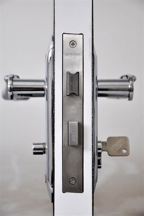 Door Knob With Key On Both Sides by Door Lock With Key On Both Sides Images