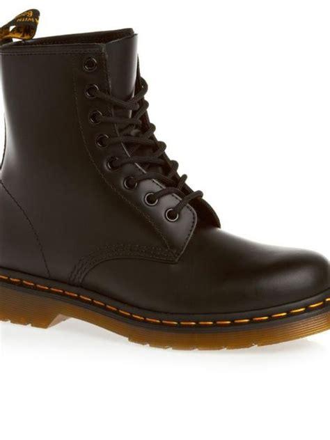 Sepatu Boot Bintang 4 sepatu ini cocok untuk cewek tomboy fashion bintang