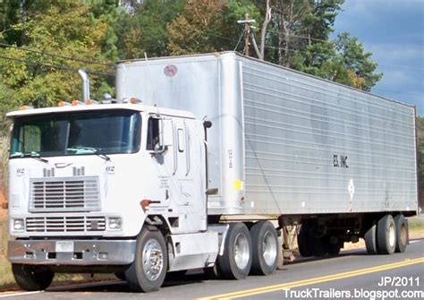 Tractor Trailer Sleeper Cab by Truck Trailer Transport Express Freight Logistic Diesel