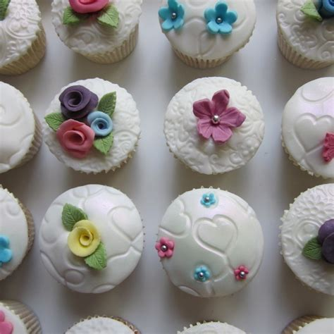 Boxdus Cup Cake Flower Uk 2830 flower garden themed cupcakes neo cakes