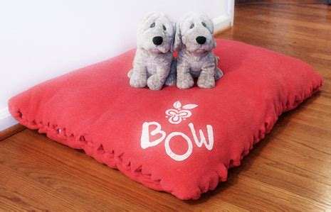 how to make a dog pillow bed how to make a no sew holiday dog bed curbly