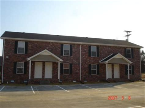 Apartment Guide For Tn Raleigh Drive Townhomes Apartment In Clarksville Tn