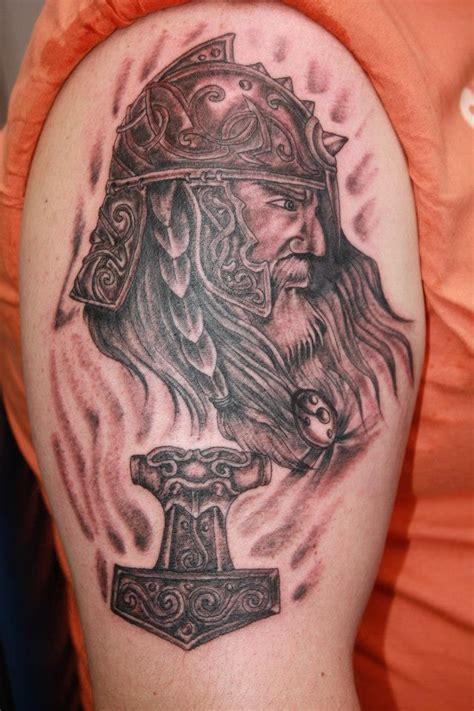 Wikinger Oberarm by Wikinger Tattoos Bina T 228 Towiert