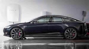 Us Electric Car Pioneer Tesla Unveils Home Battery Tesla Ceo Elon Musk Unveils Home Battery Is 3 000 Cheap