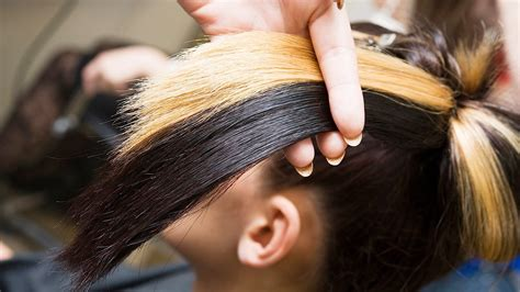how to dye hair with black chunks how to get chunky highlights at home hair color youtube