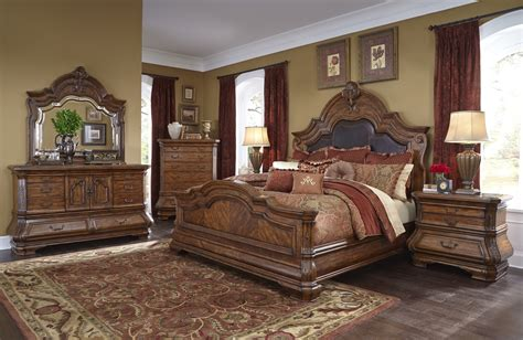 Bed Set by Michael Amini Tuscano Traditional Luxury Bedroom Set