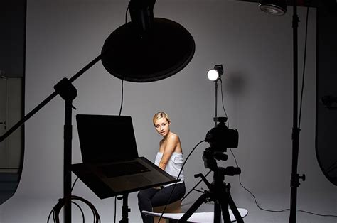 studio photography lighting setup four light setup using only grids for studio portrait