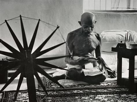 biography of mahatma gandhi qualities the untrailed path of man of wisdom top 10 qualities of