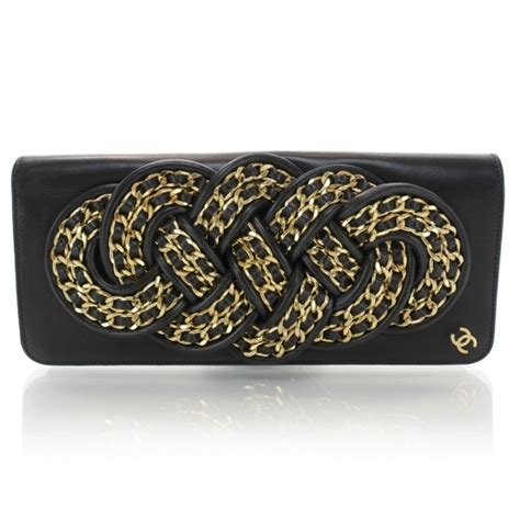 Chanel Knot chanel lambskin gold chain knot clutch black 37900