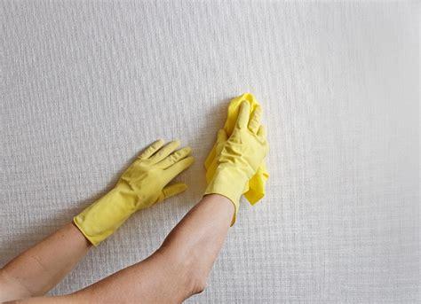 come togliere la muffa dal soffitto come togliere la muffa dai muri donna moderna