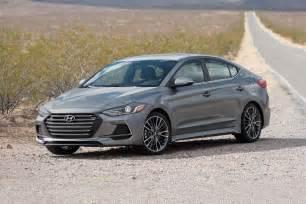 Edmunds Hyundai 2017 Hyundai Elantra Pricing Features Edmunds
