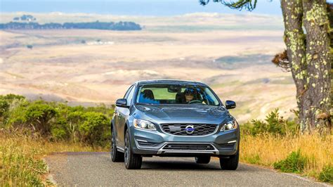 volvo  making  easier  international students   cars  america  drive