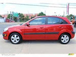 tropical 2007 kia rio5 sx hatchback exterior photo