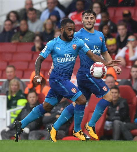 arsenal away kit 17 18 arsenal 17 18 away kit debuted footy headlines