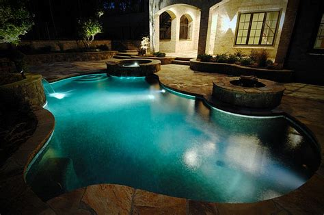 Rectangle Fire Pit - 23 small pool ideas to turn backyards into relaxing retreats