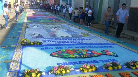 viernes santo catholic el lugar de encuentro de cada alfombra se convierte el viernes santo en un punto de