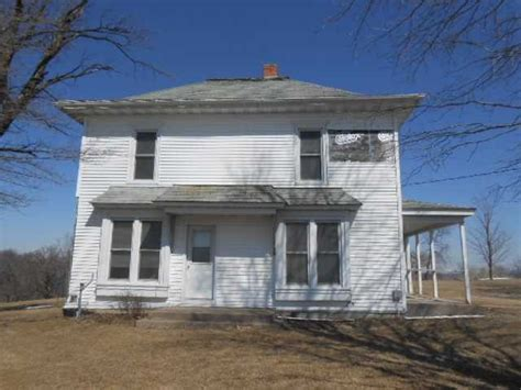 2761 61st ln vinton iowa 52349 bank foreclosure