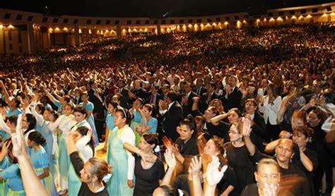 imagenes cristianos orando nueve mil personas se unen para orar por el fin de la