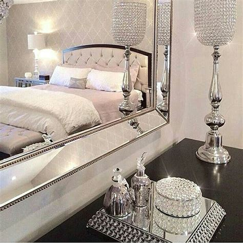 Glitter Decorations For Bedroom by 25 Best Ideas About Bling Bedroom On Chanel