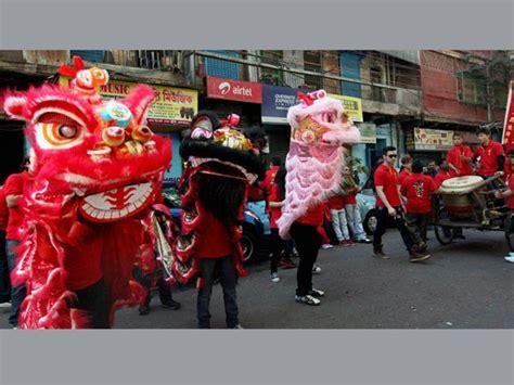 new year in kolkata 2014 new year celebrated in kolkata oneindia news