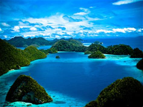raja ampat papua indonesia  enchanting islands