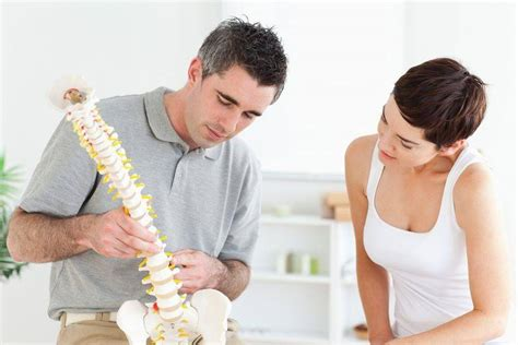 chiropractor near me neck treatment from broadbeach waters chiropractors near me chiropractors gold