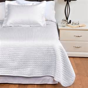 Sateen Coverlet Downtown Urban Quilted Collection Coverlet Queen