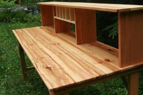 Diy Wood Desk 6 Diy Ingenious Pallet Desk Ideas 101 Pallets