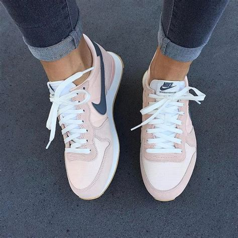 pink nike sneakers for best 25 pink nikes ideas on pink roshes nike