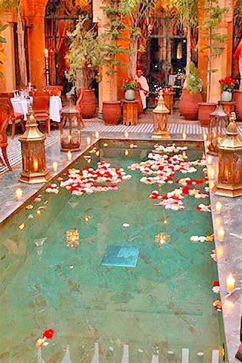 15 Pool Decor Ideas For Your Backyard Wedding   REHEARSAL