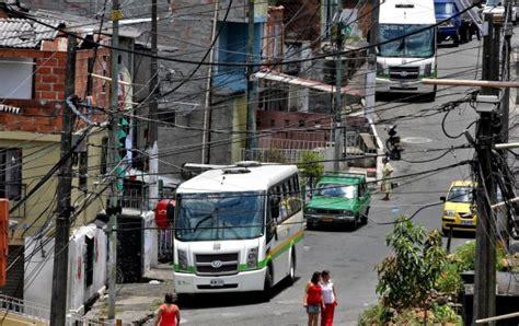 buses alimentadores metro medellin buses del metro en medell 237 n a 250 n no convencen a los usuarios