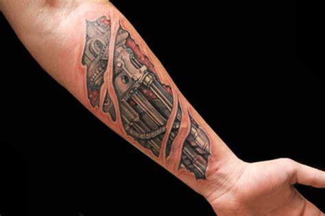 tatuaggio interno avambraccio biomeccanico avambraccio by roma ink
