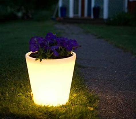 Illuminated Garden Planters by Beautify Your Garden Home With These 20