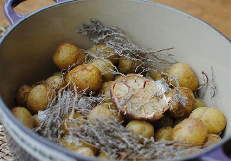 cuisiner les pommes de terre de noirmoutier recette cocotte de pommes de terre primeur de