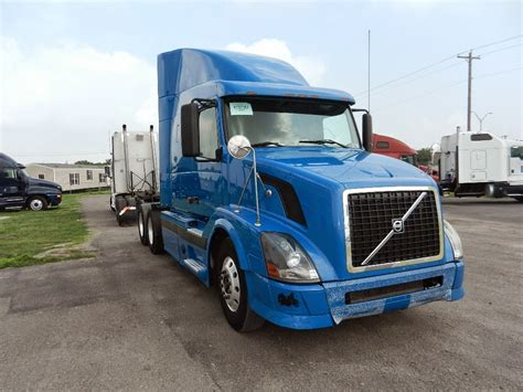 used heavy duty volvo trucks for sale heavy duty truck sales used truck sales used volvo