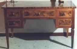 tavoli intarsiati in legno tavoli intarsiati