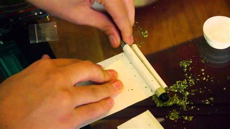 How To Make Paper Cigarettes - how to roll a joint using a joint roller