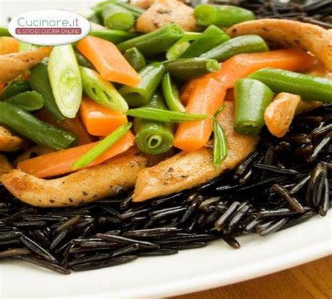 cucinare riso nero riso nero con pollo fagiolini e carote cucinare it