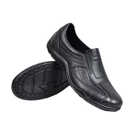 Sepatu Pria Sport Att jual att pantofel karet anti air sepatu kerja pria hitam harga kualitas terjamin