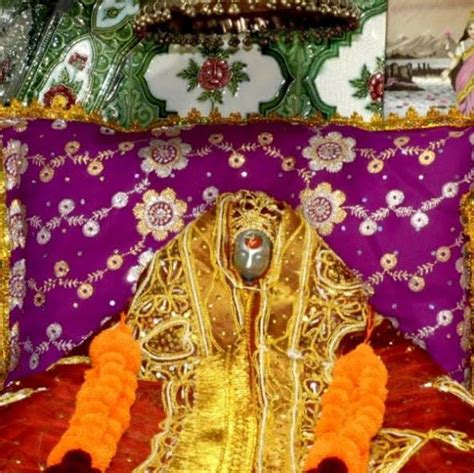 Futon Nach Maß by Maa Bhimeshwari Devi Beriwali Kirtan At Bhagwati Garden