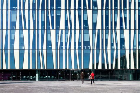 Residential Atrium Design the facade of the eight storey library building features