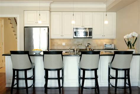 kitchen cabinet bulkhead should cabinet crowns all be the same height